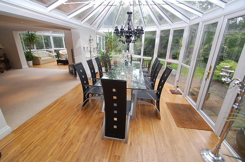 Inspirational design ideas for your conservatory for Conservatory dining room design ideas